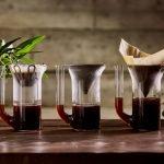 Drei E&B Glaskaraffen mit unterschiedlichen Kaffeefiltern